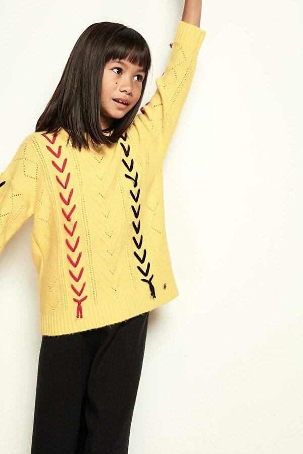Resim Kız Çocuk Sarı Kazak