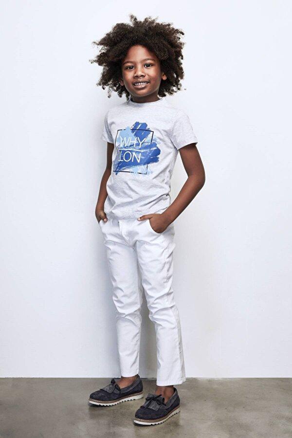 Resim Erkek Çocuk Beyaz Pantolon