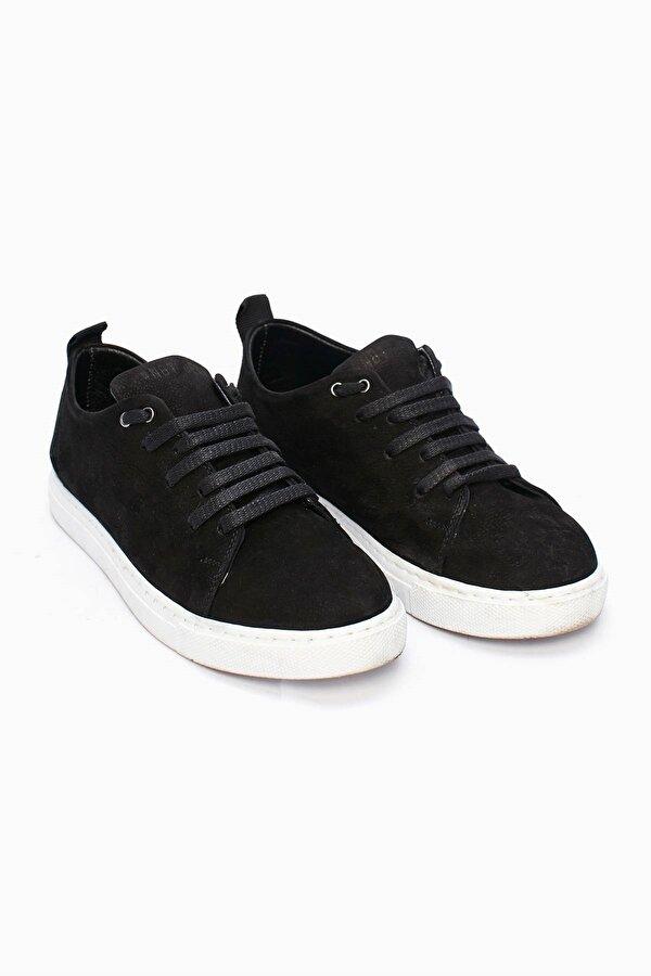 Resim Erkek Çocuk Siyah Ayakkabı