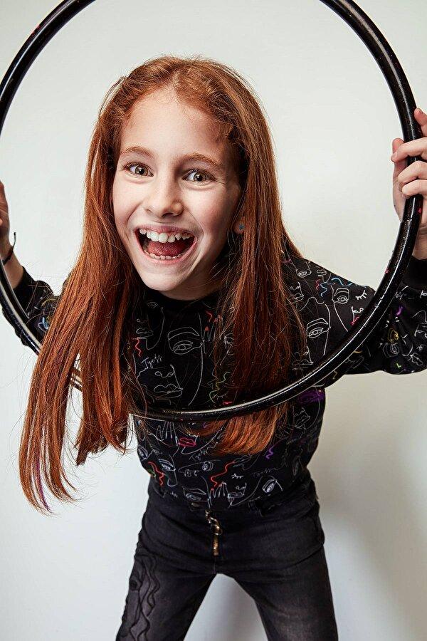Resim Kız Çocuk Desenli S-Shirt