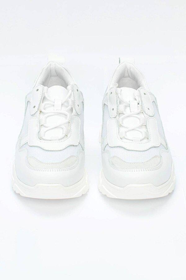 Resim Kız Çocuk Beyaz Ayakkabı