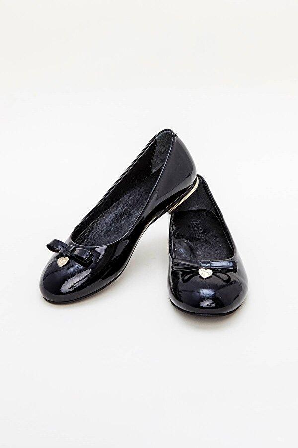 Resim Kız Çocuk Siyah Ayakkabı