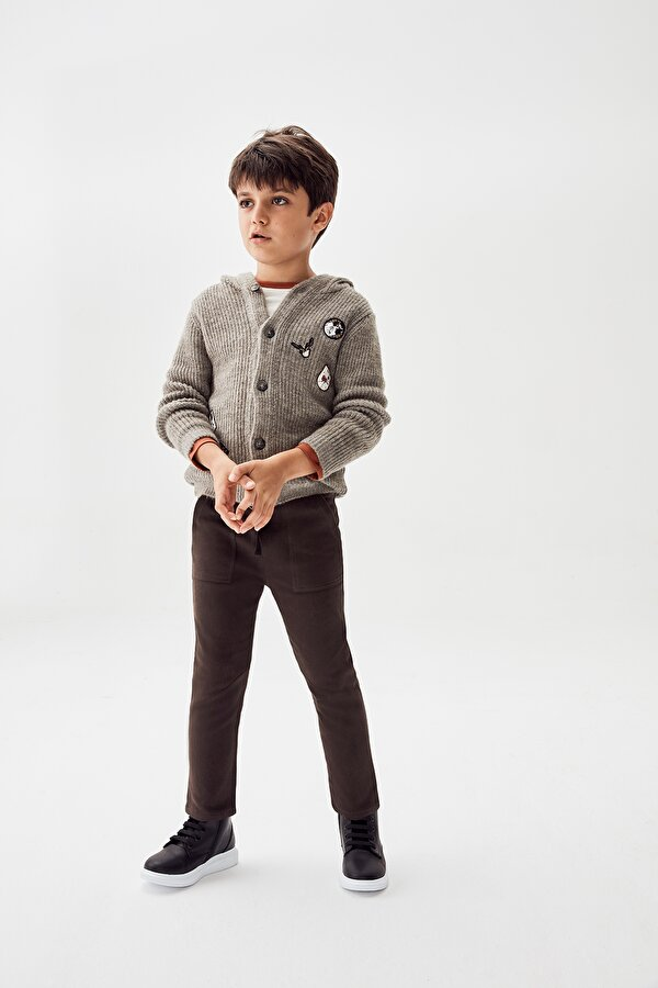 Resim Erkek Çocuk Kahve Pantolon