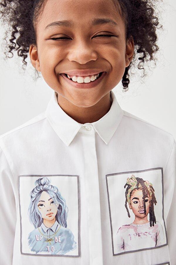 Resim Kız Çocuk Beyaz Gömlek