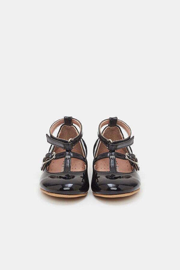 Resim Kız Bebek Siyah Ayakkabı