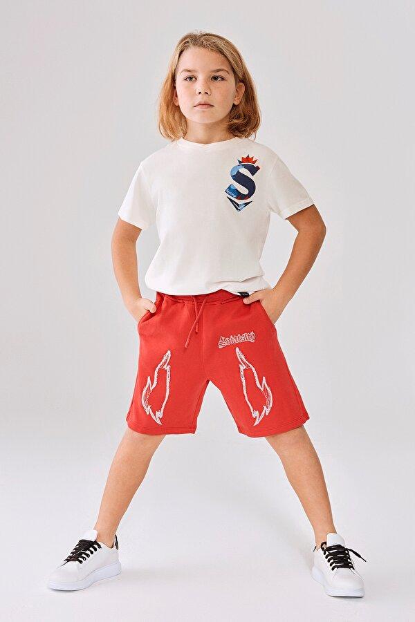 Resim Erkek Çocuk Kırmızı Şort