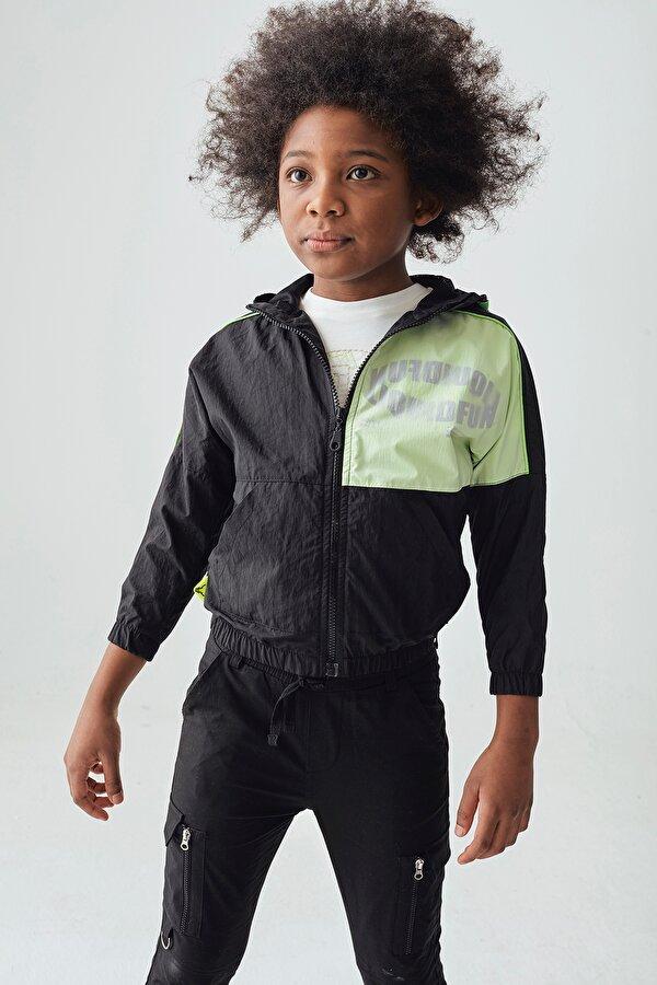 Resim Erkek Çocuk Siyah Yağmurluk