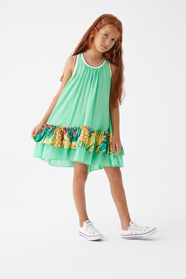 Resim Kız Çocuk Yeşil Elbise